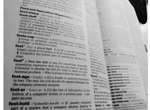 10 useful business idioms and phrasal verb